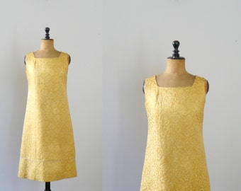 Vintage brocade dress. golden dress. 1960s dress. tapestry dress