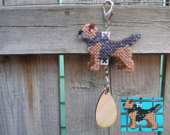 Border Terrier crate tag dog accessory or hang anywhere, Magnet option, hand stitched original art
