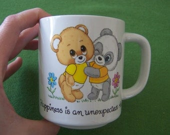 "coffee mug ""Happiness is an unexpected hug"" - beary cute friendship quote"