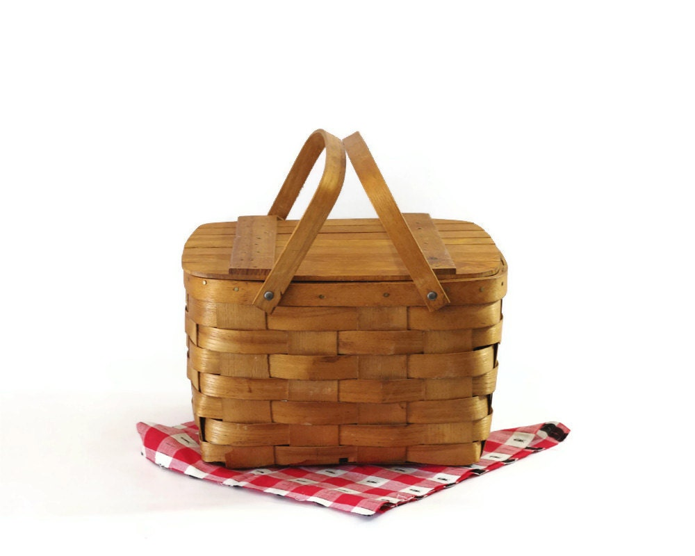 Picnic Basket Pie : Vintage picnic basket pie carrier split wood by gizmoandhooha