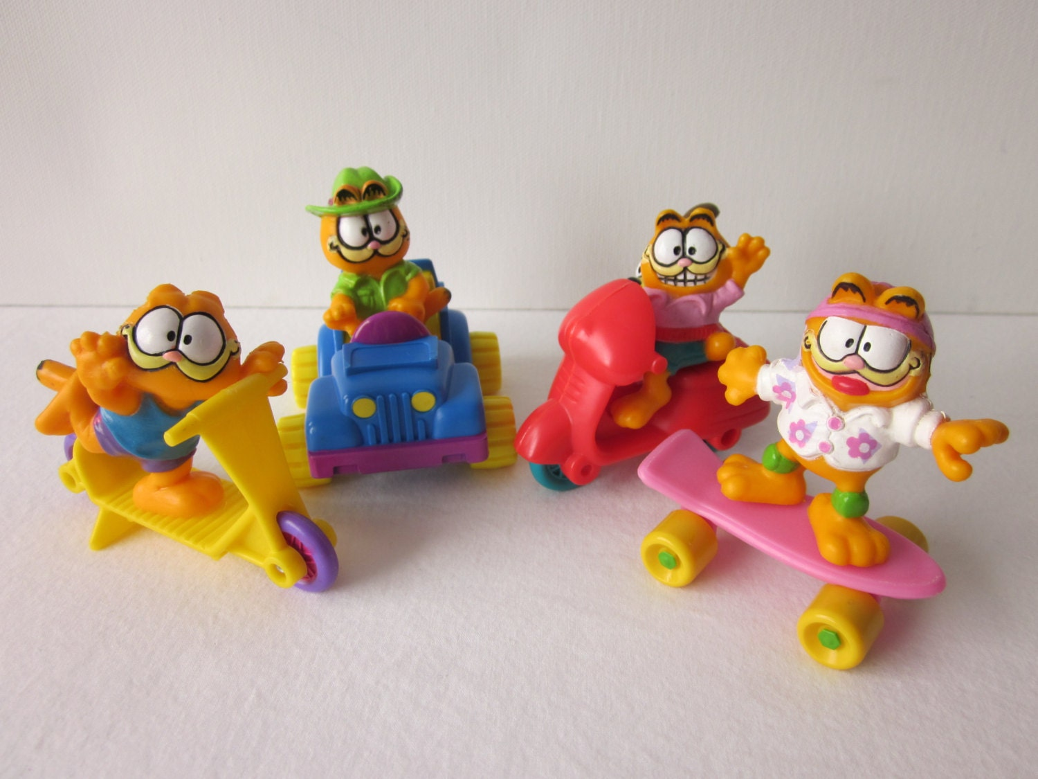 Happy Meal Toys : Vintage garfield figures cars mcdonald s happy meal toy