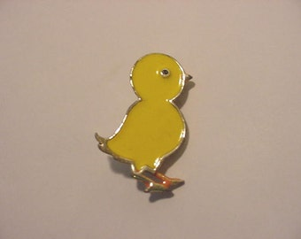 Vintage Beatrice Easter Chick Brooch  12 - 530