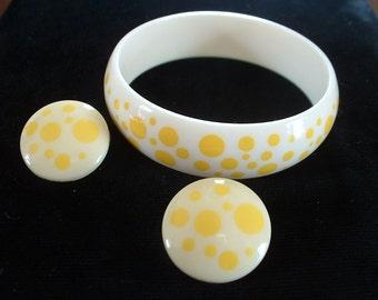 Vintage Polka Dot Bracelet Earring SET Early Plastic Mid Century Classic Yellow & White