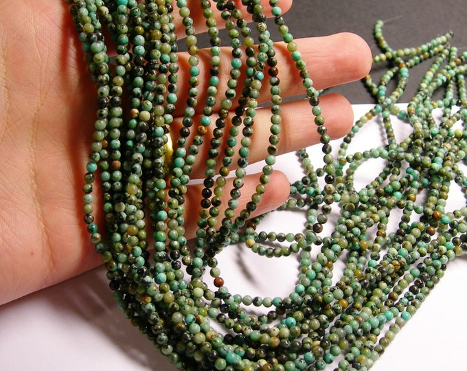 Turquoise - African - 3 mm round - 1 full strand - 132 beads - A quality - PG22
