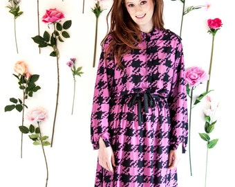 Nia, French Vintage, 1970s Raspberry Pink Houndstooth Print Midi Dress, with Long Sleeves, from Paris