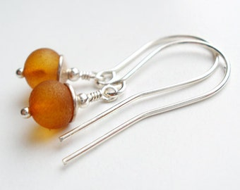 Dangle simple erarrings from Baltic amber  & silver sterling