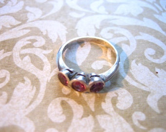 Vintage Sterling Silver and Amethyst Stone Band Ring