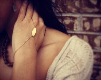 Slave bracelet - Gold hand chain bracelet - Matte brushed gold hand chain - Hand piece - Gold slave bracelet - Gold chain ring bracelet