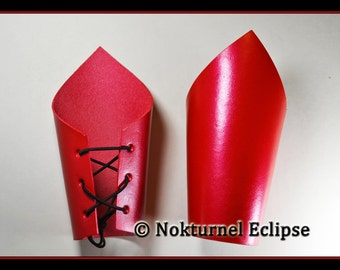 Pair Red Pointed Leather Cuffs Wristbands Superhero Cosplay Halloween Anime Wonder Woman Fetish Costume Wedding - AVAILABLE ANY COLOR