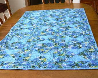 Blue Spring Hourglass Table Runner