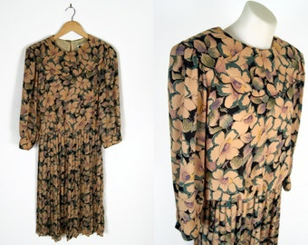 70s scalloped collar pleated floral midi dress // sz m
