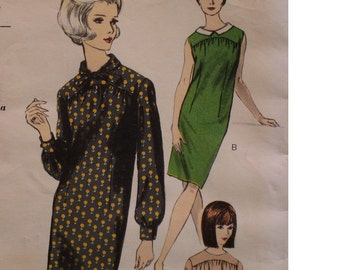 "SALE  50% OFF 1960s Sweet Secretary Yoked Shift Dress Pattern, Straight, Sleeveless/Long Sleeves,Collar, Vogue No.6574 Size 12 (Bust 32"" 81)"