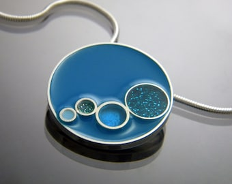 Resin Circle Necklace with Bubbles in Sparkle Blue and Teal
