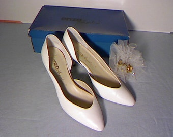 White Wedding Shoes / Made in Brazil by Enzo / White Summer Pumps / Full Grain Leather