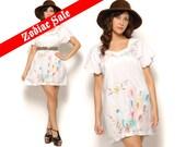 70s Mini Dress White Pastel Mexican Peacock Embroidered Tunic Tent Sundress / Boho Hippie / Size M L Medium Large