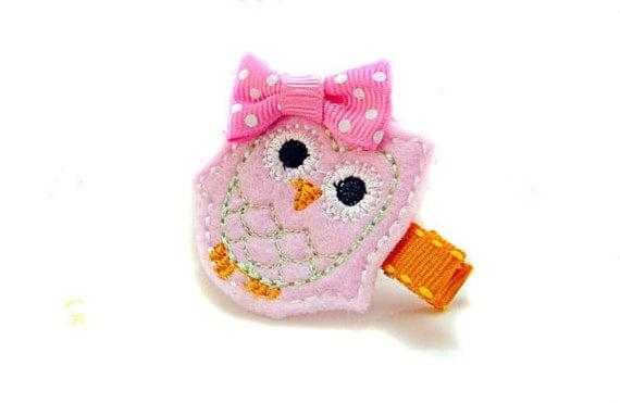 Pink OWL Felt embroidery hair clip / felt hairclip / baby girl hairclip / girl hair clip / barrette... .