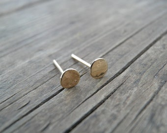 Stud Hammered Gold Earrings, 14k Solid Gold, 4mm Flat Round Post Earrings, Gold Stud Jewelry, Dot Pebble Stud, Gift For Her, Unisex Earrings