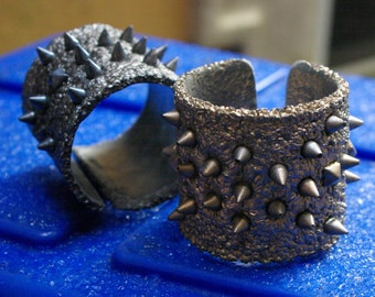 Spikes on Bubble Textured background cuff