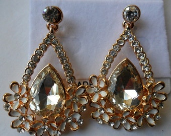 Fashion Jewelry- Beautiful Dangle Crystal Flower Gold Plated Stud Drop Earrings