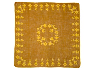 RETRO HANKIE Mid-Century, Geometric 2 Color Design, Pineapple Border & Center Medallion, Mustard Yellows, Excellent Condition