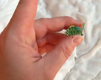 Vintage Green Turtle Pin