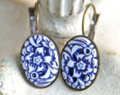 Vintage Navy Blue and White Floral Carved Oval Flower Drop Dangle Lever Back Earrings - Wedding, Beach,Bridesmaid
