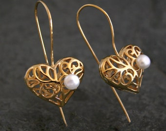 Unique Gift For Her, Gift for Her, Mother of the Bride Earrings, Heart Jewelry, Gold Heart Pearl Earrings, Heart Earrings