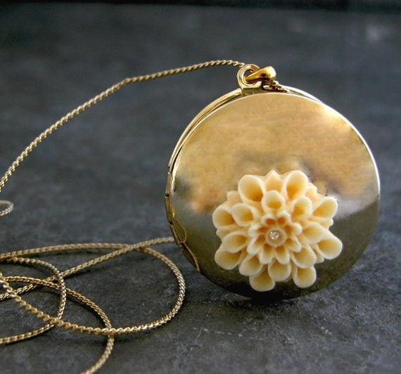 Unique Gift For Her, Gold Locket Necklace, Four Photo Folding Jewelry Antique Locket Family ,Gold Locket Necklace,Gold Blossom Locket