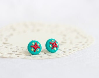 Tiny mint stud earrings - ethnic hand embroidery - e014