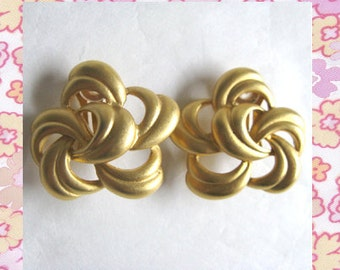 Alfred Sung Vintage 1980s Earrings Designer Brushed Gold Tone Clip On Earrings