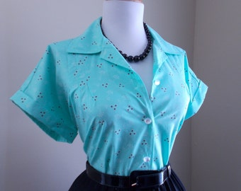 Vintage Mint Green Cotton 1950s 1960s Atomic Floral Print Button Down Short Sleeve Blouse