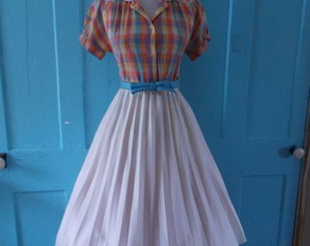 Vintage 1950s 1960s Womens Off White Cream Accordion Style Pleated Full Skirt