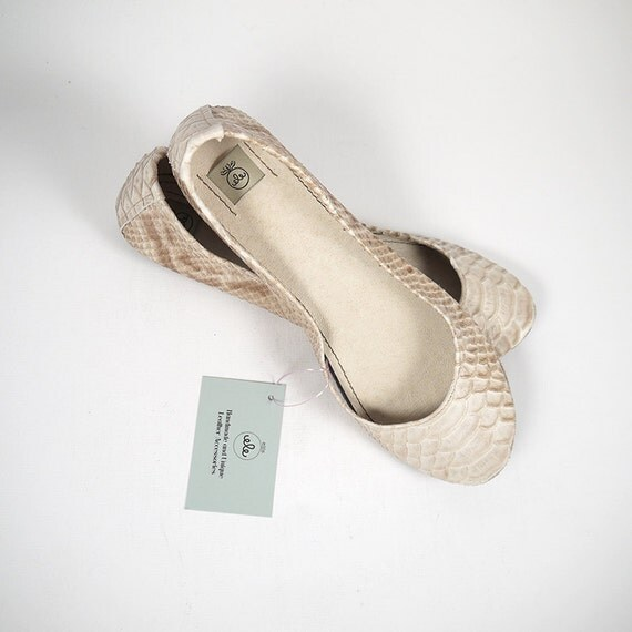 Two Tones Fabulous Snake Pattern Handmade Ballet Flats
