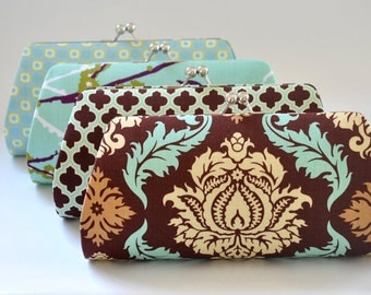 A SET of 10 Bridesmaids Clutch -  Create a Custom Bridesmaid Clutches in your choice of fabrics