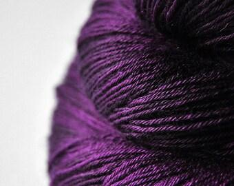 Poisoned by love - BFL Sock Yarn Superwash