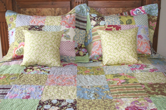 Queen Quilt Bed Set Shams and Toss Pillow Covers Amy Butler Bed Coverlet Ready to Ship