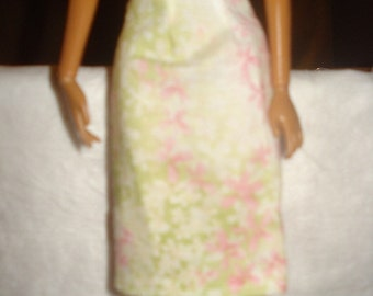 Fashion Doll Coordrinates - A-line skirt in lite pink and green floral - es150