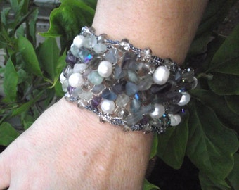 Crochet Fluorite and pearl bracelet