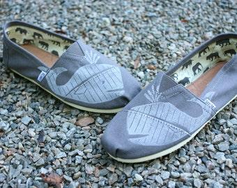 Whale TOMS shoes