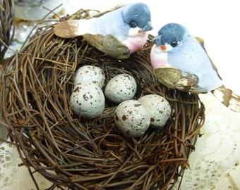 4 inch Bird Nest with Birds and Eggs