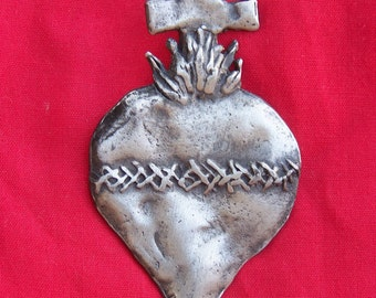 Tin/Silver Sacred Heart with Thorns and Cross Milagro Ex Voto