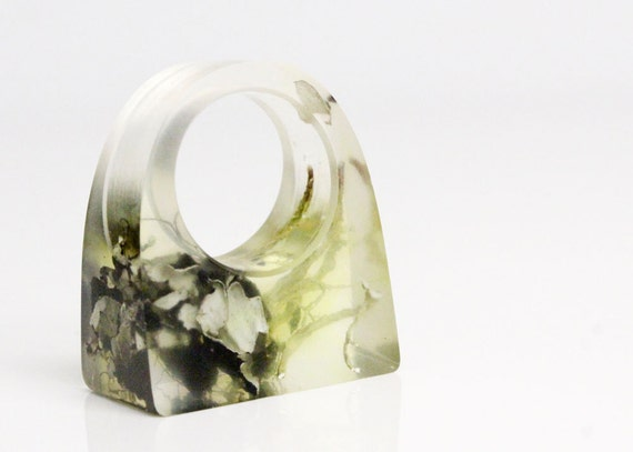 Pacific Northwest lichen and moss geometric rectangular eco resin ring size 5.5