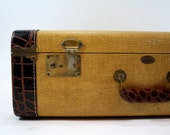 Vintage Suitcase / Vintage Tweed Suitcase / Old Luggage