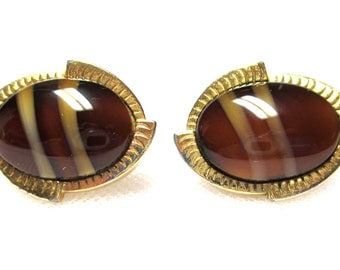"Sarah Coventry ""CARMELTONE"" Brown Art Glass Cabochon Earrings"
