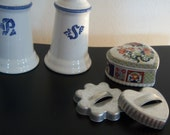 On Sale Vintage Pfaltzgraff Shakers,  Cookie Cutters