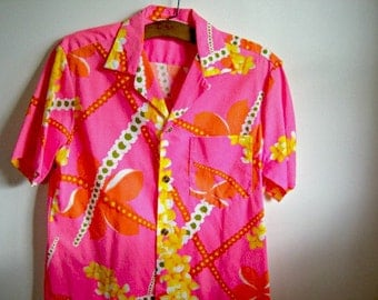 Vintage Pink Men's Hawaiian Shirt Pink Polyester Royal Hawaiian Retro Vintage Shop Vintage Fashion Party Shirt MEDIUM