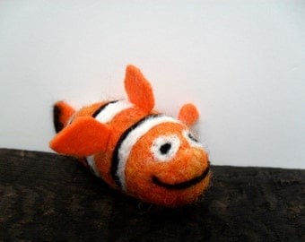 cat toy catnip Clown fish, needle felted fish