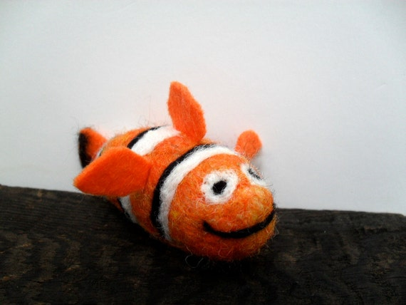 Cat toy catnip clown fish needle felted fish for Fish cat toy