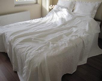 White linen Queen KING duvet cover - quilt cover - linen ruffled bedding - bobbin lace trim with euro shams -shabby chic bedding Nurdanceyiz