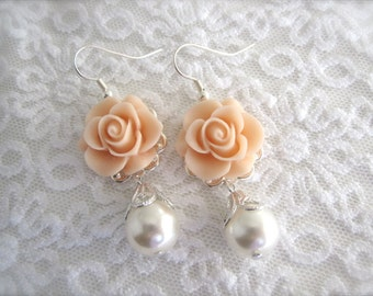 Blush earrings Blush Flower Earrings Bridesmaid gift Floral jewelry Thank you card Bridal jewelry Pearl earrings Maid of honor earrings
